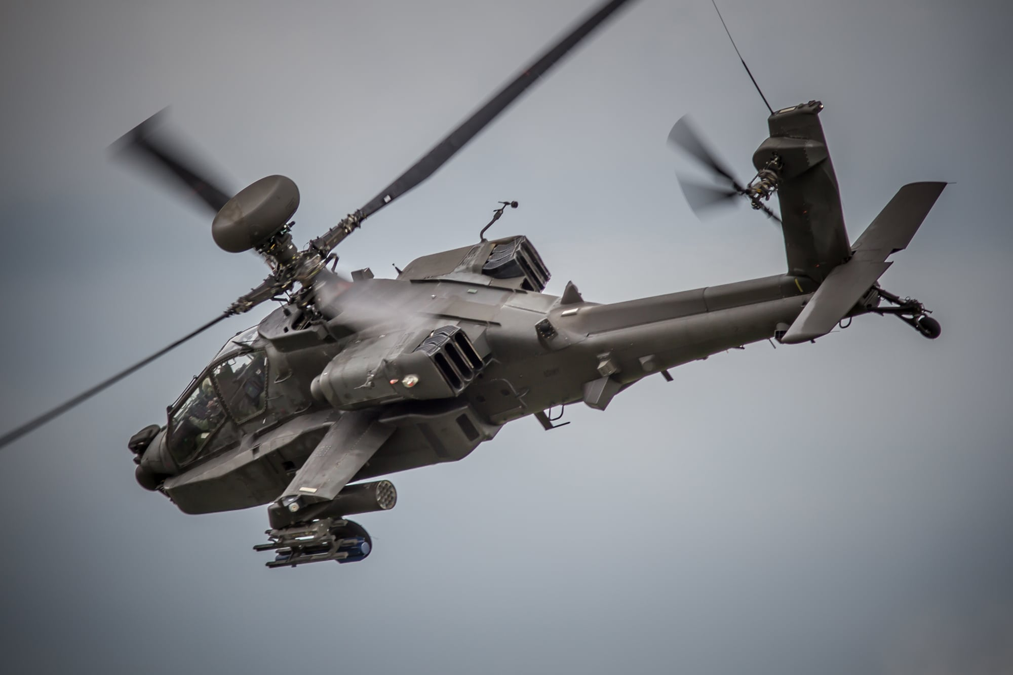 AH-64 helicopter air data system